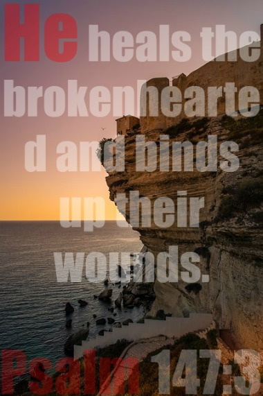 Keeping Your Faith While Grieving (With 10 Bible Verses)